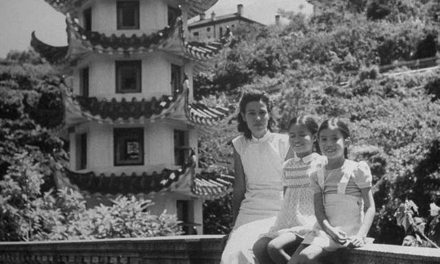 1945年日本鬼子投降后的香港 那些香港人的笑脸