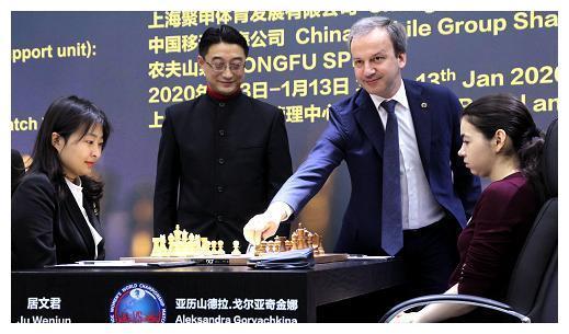 国际象棋棋后卫冕战战罢6局 居文君与挑战者3比3不分上下