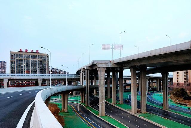 江苏各市全进高铁时代,淮扬菜美食之乡淮安内环高架今天开通