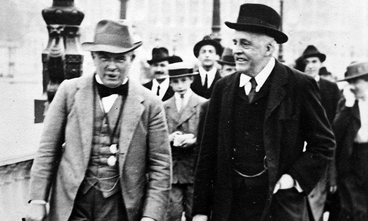 1917年11月2日,英国外交大臣发表贝尔福宣言,首次支持犹太复国