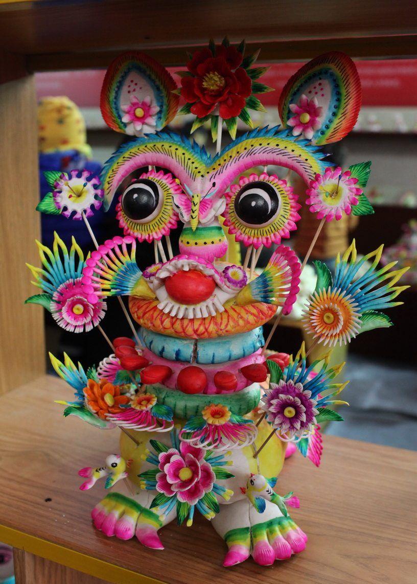 陕西年俗展上看花馍 色彩绚丽萌到发芽