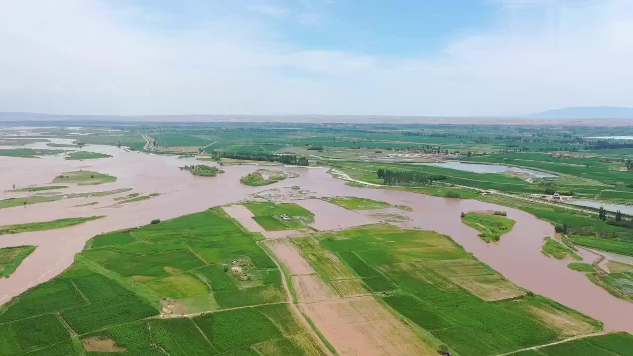 宁夏奇观,黄河中央,种庄稼