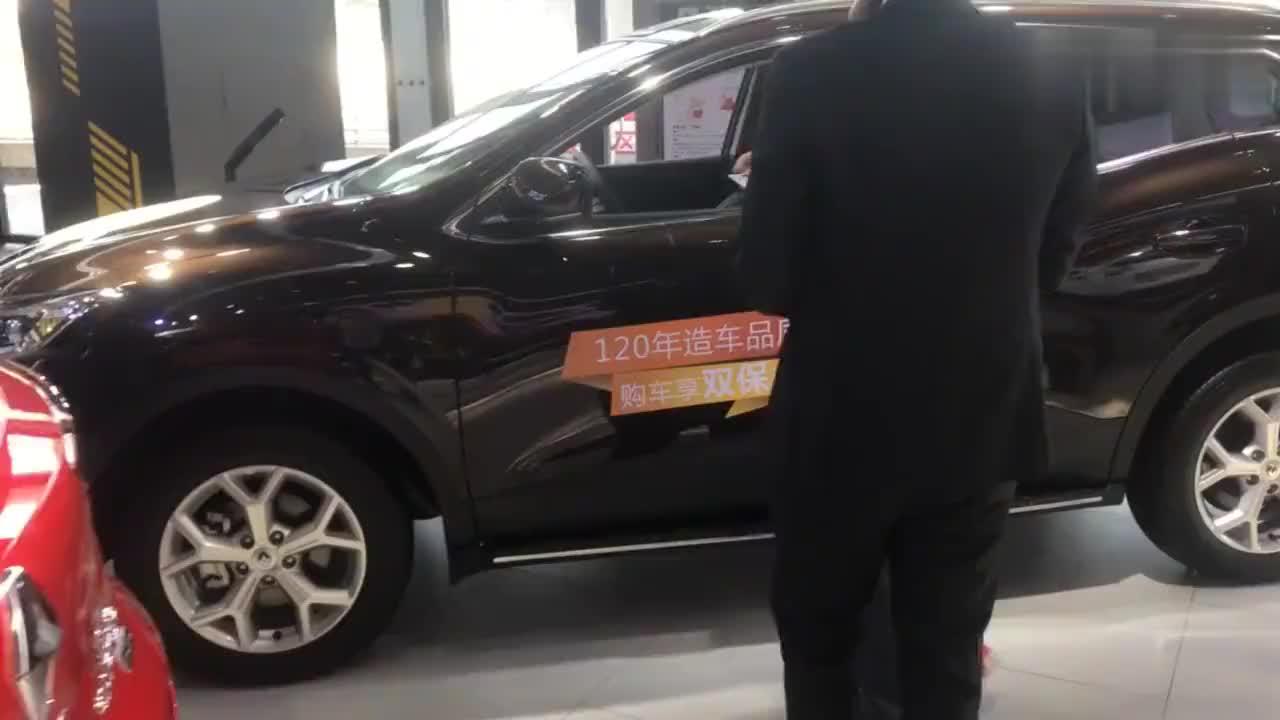 新款的雷诺SUV终于出来了车展上还有2万的优惠让人看了都心动