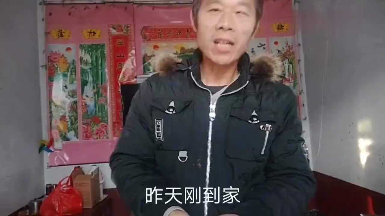 老张回老家更新的第一个视频介绍一下代表安徽阜阳地方特色小吃