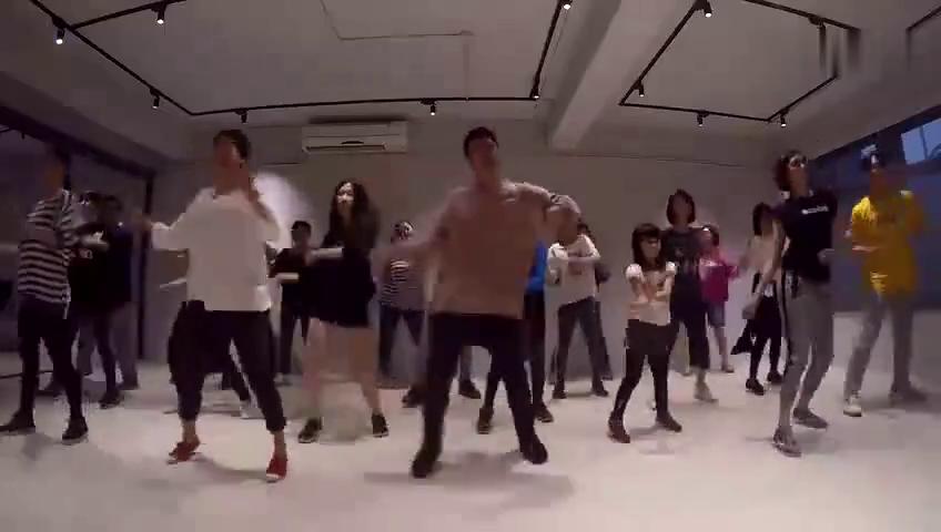 主题曲改编的好看舞蹈,很适合初学者的人