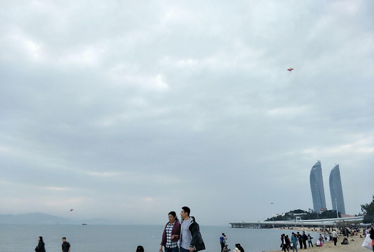每个沿海城市都有一个风景不错的沙滩,厦门的白城沙滩就小有名气