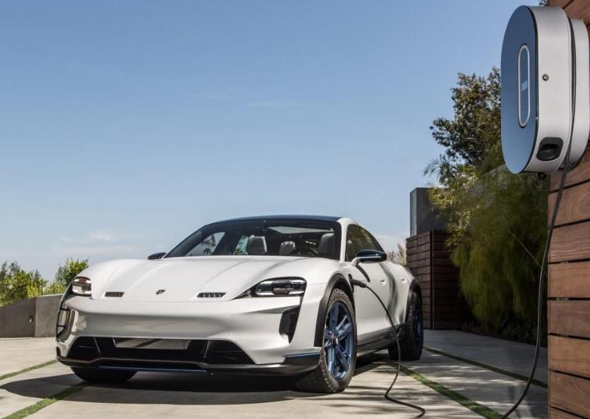 开一年纯电动车比燃油车省出几个钱?算完一笔账,你就明白了