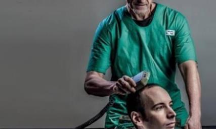 记得世界首例成功的头部移植手术吗?时隔多年,如今怎样?