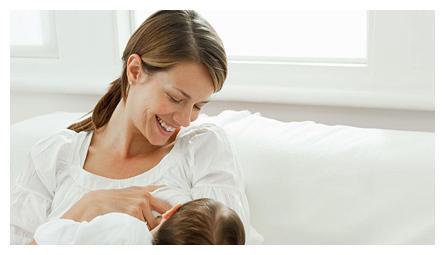 """开饭了!面对不吃母乳的""""佛系""""宝宝,如何让他顺利吃到第一口奶"""