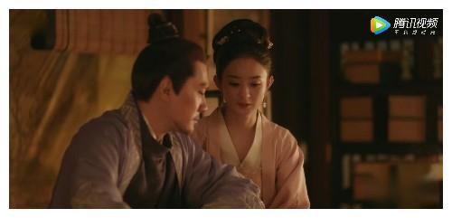 知否:顾廷烨坐起了小娘子,为妻子女儿梳头发,可惜了头发