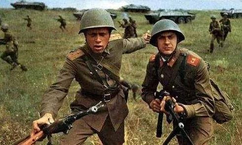 苏联大规模援助越南,每年支援20亿美元,到底为了什么?