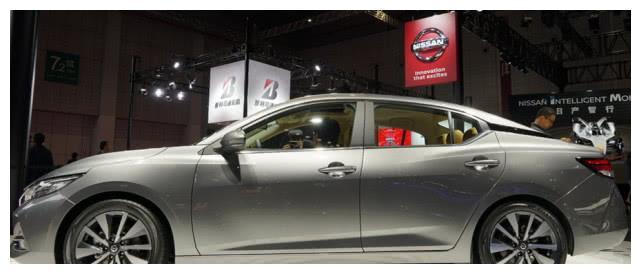 日产又憋大招,新车比凯美瑞还大气,一看报价选啥丰田大众