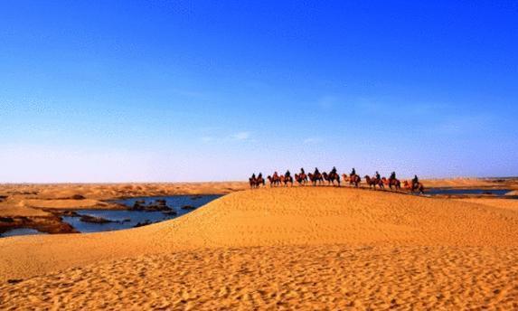 """我国最牛工程,从千里之外""""借水"""",硬生生将沙漠变成湖泊"""