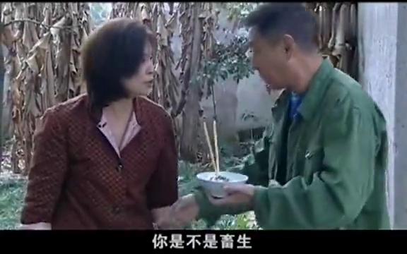 中国母亲母亲跑着给孩子送准考证累的晕倒,在医院还担心高考