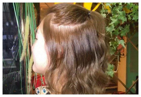 2019减龄发型:烫个发型老5岁!扎个丸子头找回自信!要火了图片