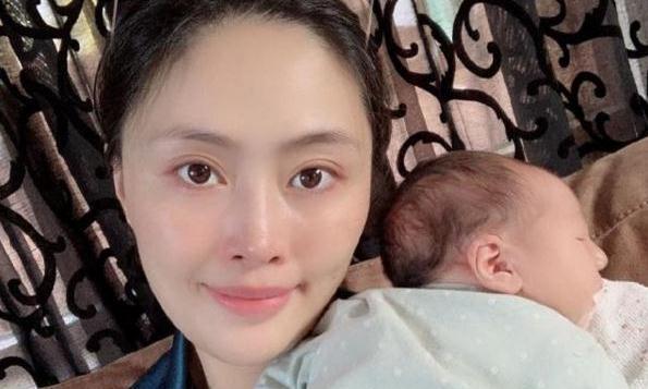 33岁马蕴雯远嫁美国,和老公生一女儿,拉尔森:我还欠她一场婚礼