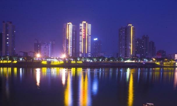 湖南这座城市,不但美女成群,还是一座优秀的旅游城市