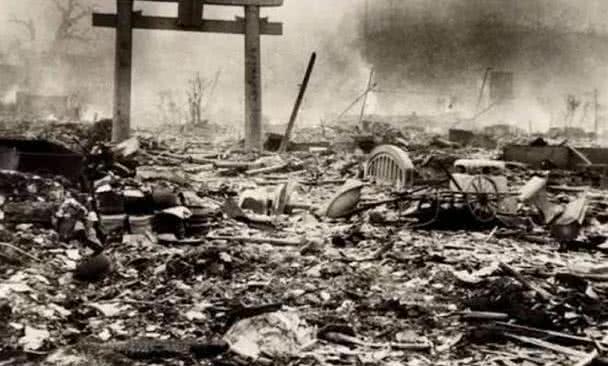 日本长崎原子弹爆炸的时候,当地学生在干什么?可怜更可悲