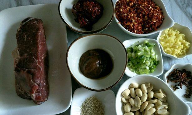奶奶喜欢吃牛肉酱每次都做一大锅,今天知道是太祖奶奶的祖传秘方