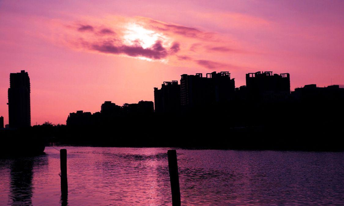 摄影:一道残阳铺水中,半江瑟瑟半江红.