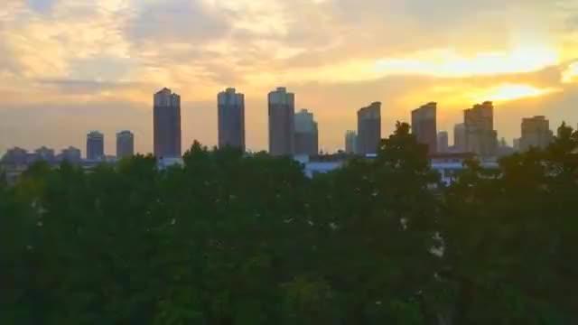 今天黄昏信阳浉河惊现最美天际线