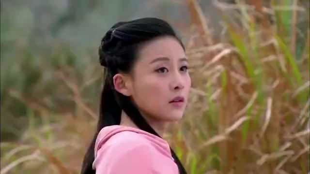 乔峰阿朱患难后终又重逢,深情的抱在一起,这是要恋爱了的节奏啊