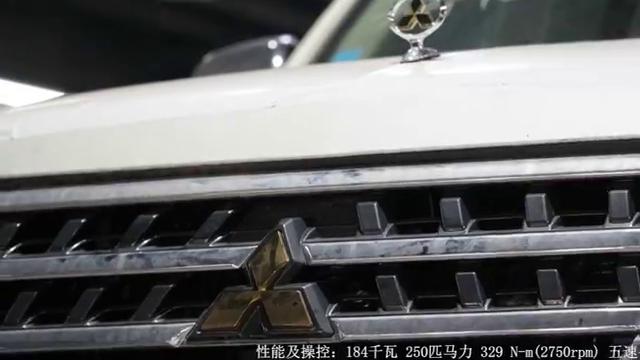 视频:19款三菱中东版帕杰罗经典v97纯硬派越野车型大气来袭
