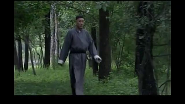 《茶馆》:王掌柜藏枪遇劫匪,一不留神当了回绿林好汉