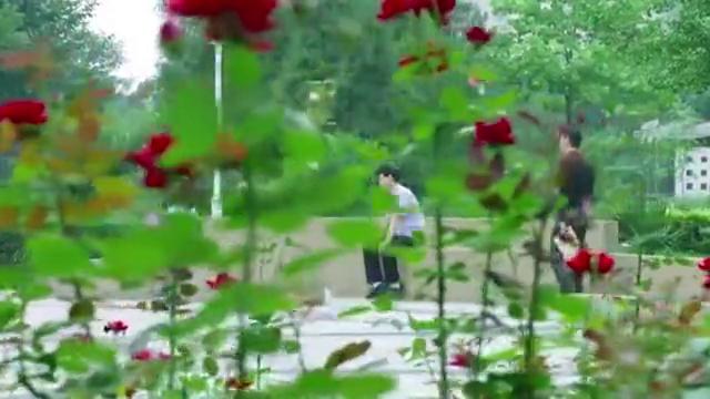 婚姻时差:陈永亮被开除,男子竟借机接近他,这步棋走的高!