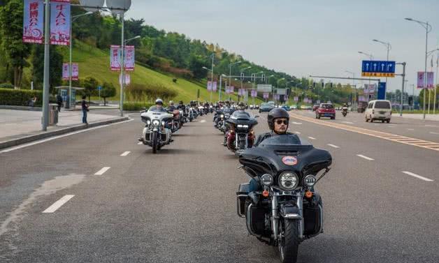 """我国唯一不禁""""摩的""""城市,人口超三千万,现在连共享单车都没有"""