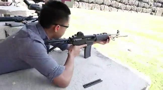 少见的DR-200突击步枪,后坐力偏高 弹匣供弹靶场射击测试!