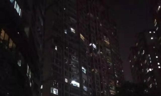 突发!福州佳源居小区一男子从21层跳楼身亡,家人以为他去上厕所