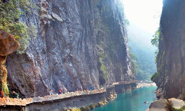 私藏在中国最美的地方,被称为地球绿宝石!