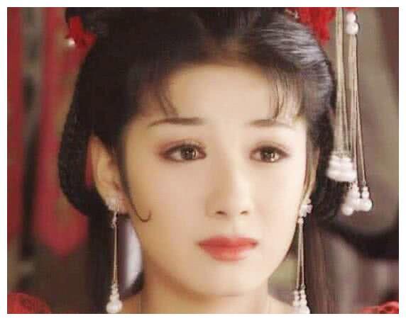 黄奕的李玉湖,杨幂的白浅,贾静雯的赵敏,都不及她样子