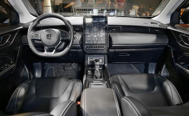 纳智捷新车亮相,颜值到位配置丰富,车迷却在担心它的油耗