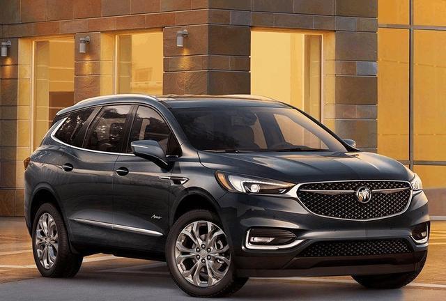 别克旗下的大尺寸SUV,性价比超高的昂科雷内部空间充足