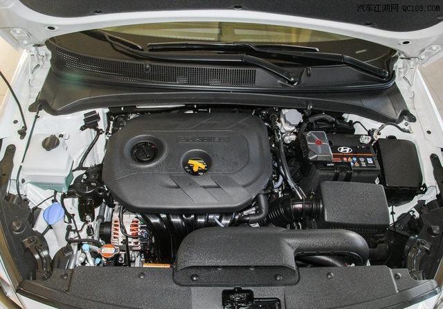 高性价比的韩系家轿,一公里油耗不足5毛,降2万成热门,看啥思域