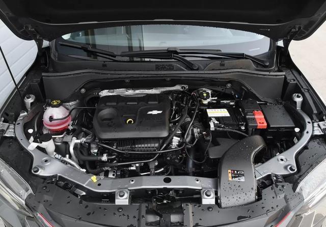 9.99万起售,搭载1.0T/1.3T三缸发动机,雪佛兰创酷彻底凉了