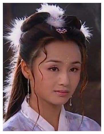她曾是央视主持人,结婚10年的丈夫不公布,儿子8岁帅过蔡徐坤