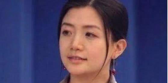 她身价百亿,名下豪车无数,马云三次邀请都被拒绝