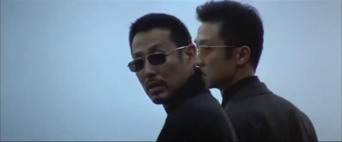 无间道3:陈永仁看到李医生也在,正好帮忙躲开了警察!