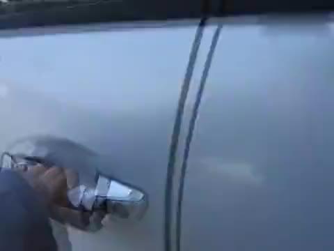 视频:实拍新款标致4008内饰赛车风格驾驶舱带拨片的法系suv