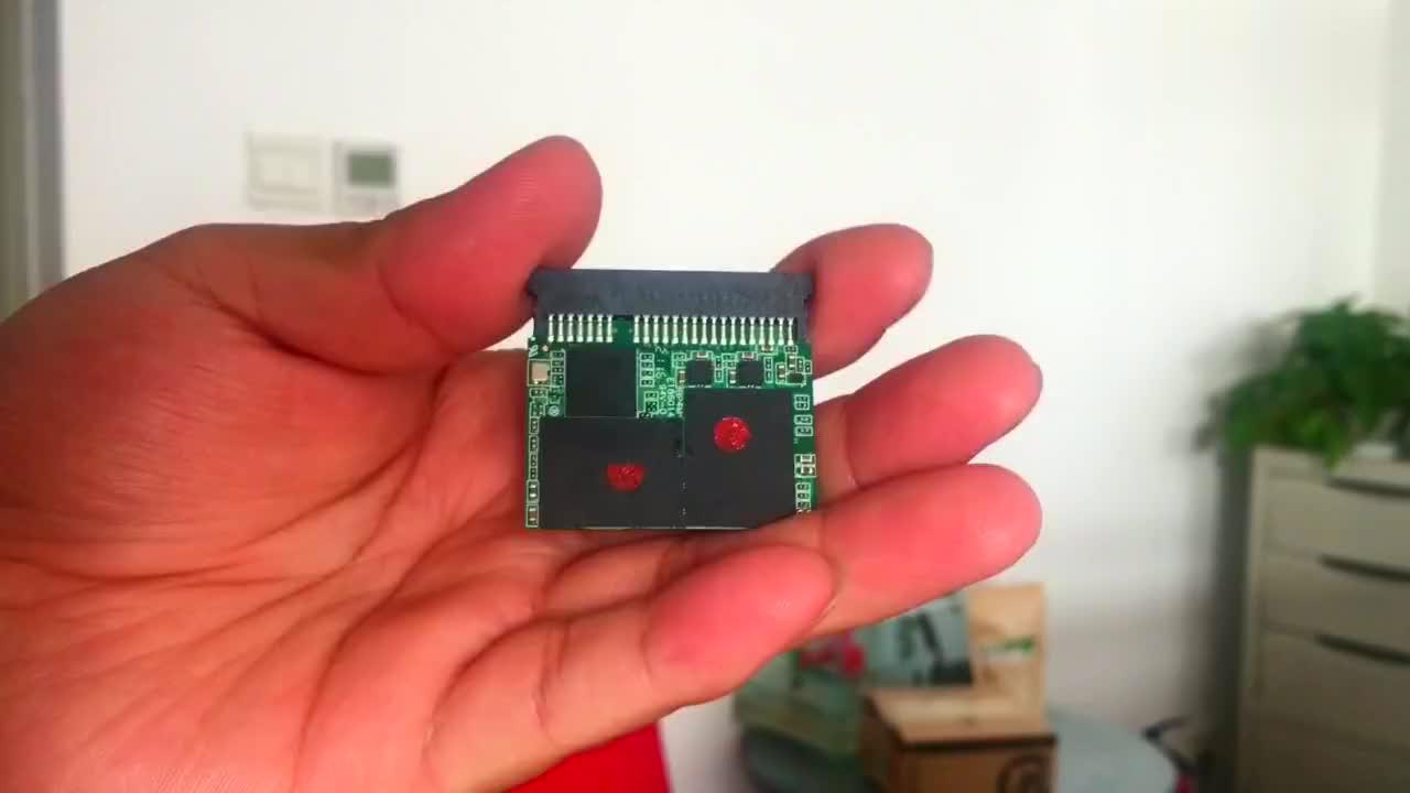 256G小固态硬盘主控芯片出问题,丢了太可惜,凯哥教你提取数据