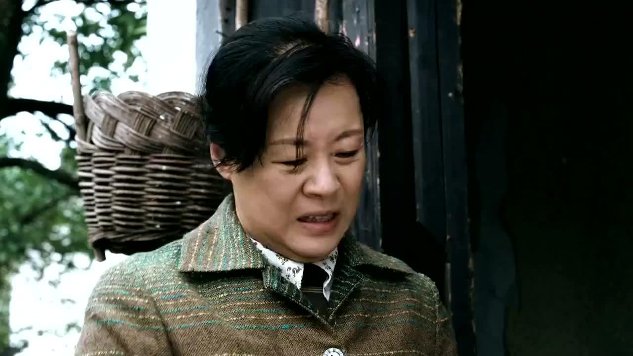 恶毒后妈把苏扬爸爸生前的画拿去烧,浑然不知能卖十多万,蒙了