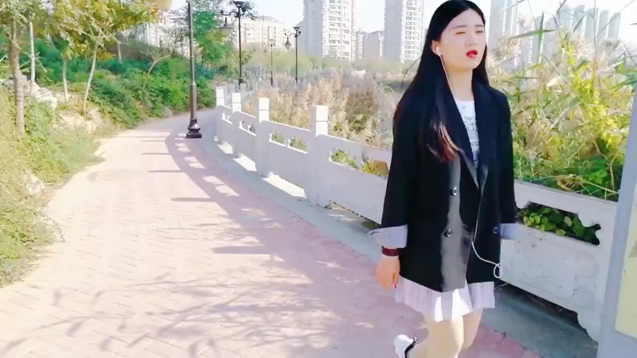 毛宁杨钰莹合唱明天更辉煌唱的委婉动情真情流露
