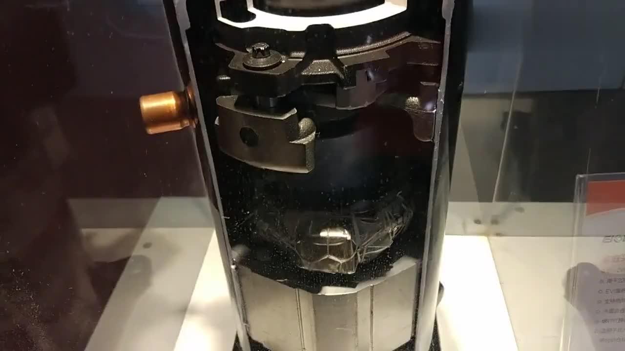 三菱重工中央空调专用的涡旋式压缩机非常精密的机械构造