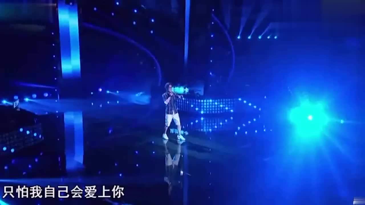 李咏激情演唱庾澄庆的《情非得已》汪峰已经笑趴
