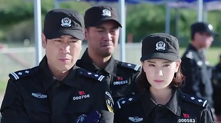 上海队员带着警犬势如破竹,最强大脑一上去气场全开