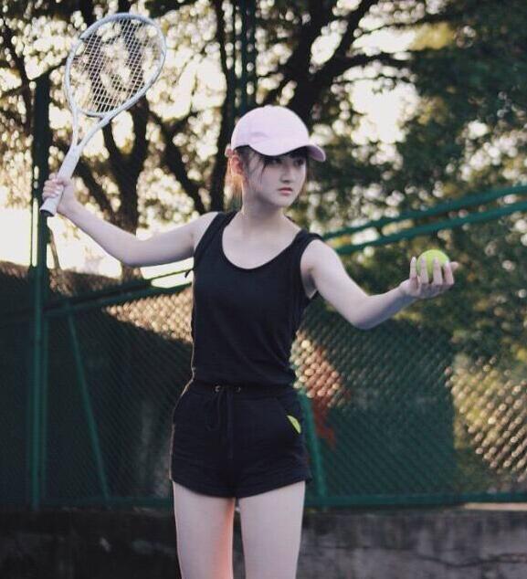 女孩摄影:黑色运动服清纯网球少女活力完美可人