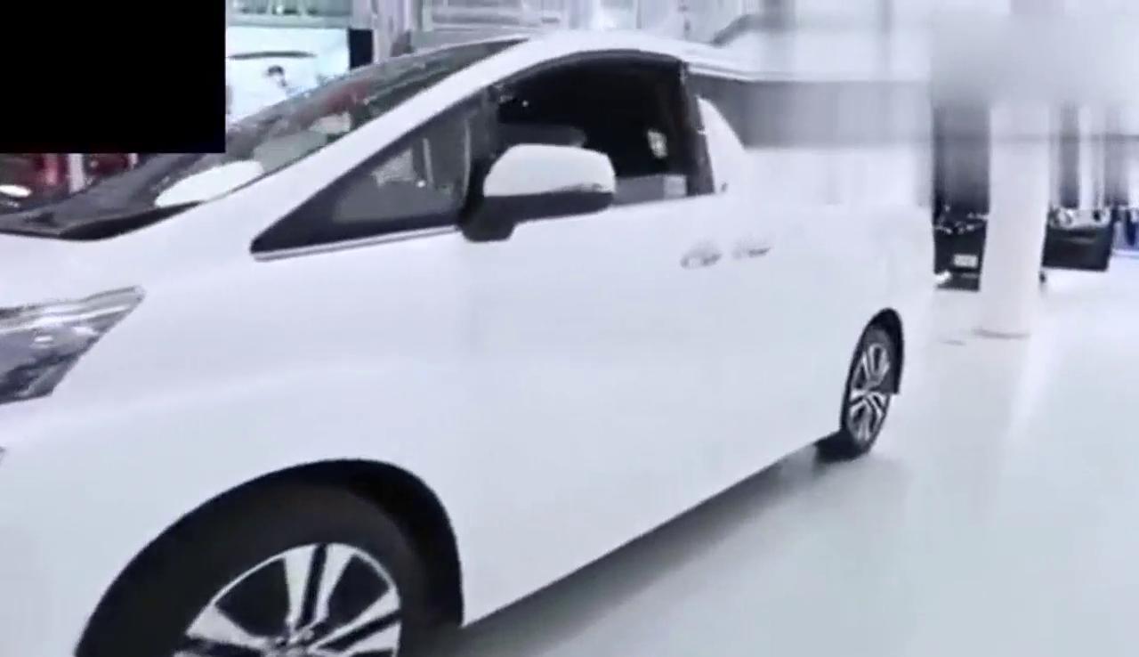 视频:高端MPV丰田vellfire进入中国,中国人的钱真的那么好赚吗?